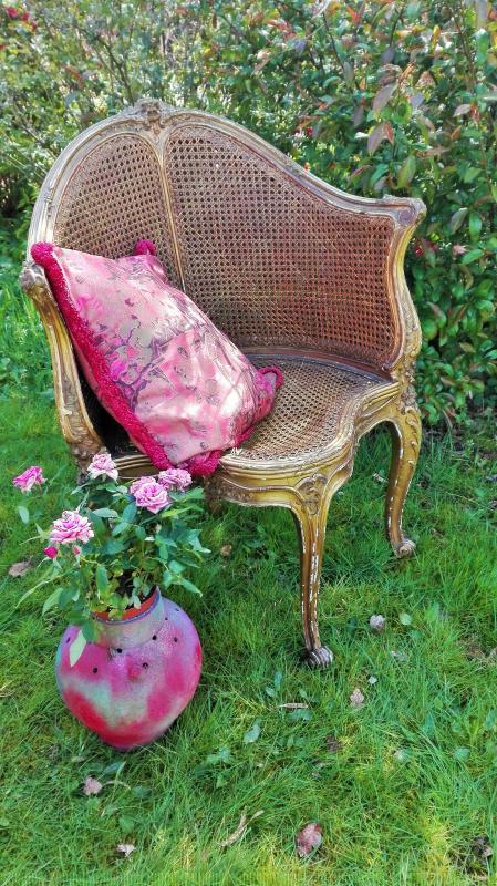 Antieke stoel 3 poot stoel webbing leuning en zitting