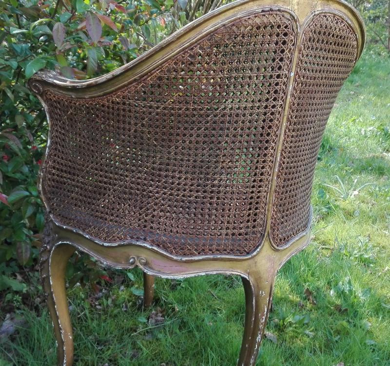 Antieke stoel met webbing leuning en zitting